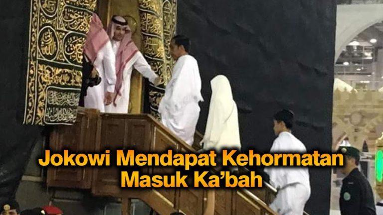 Momen Jokowi Mendapat Kehormatan Masuk Ka'bah