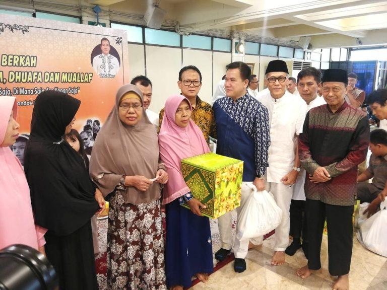 'Sedekah Membawa Berkah' HM Fitno bersama Anak Yatim dan Tuna Netra
