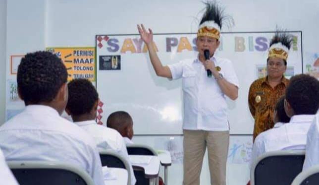 Hardiknas, Jonan Motivasi Siswa Sekolah Taruna Papua