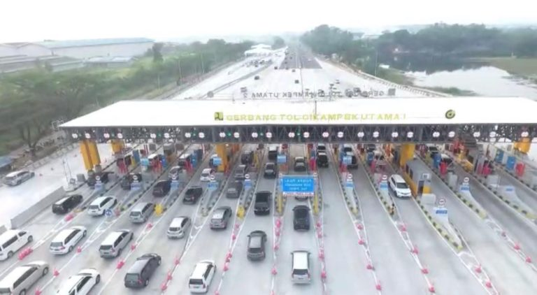 Hari Pertama dan Kedua Lebaran, 140 Ribu Kendaraan Tinggalkan Jakarta Lalui GT Cikampek Utama