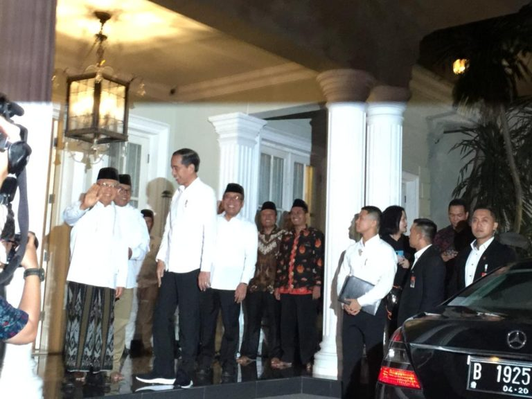 Jokowi Jemput Ma'ruf Amin Nobar Sidang Sengketa Pilpres 2019 di Bandara Halim