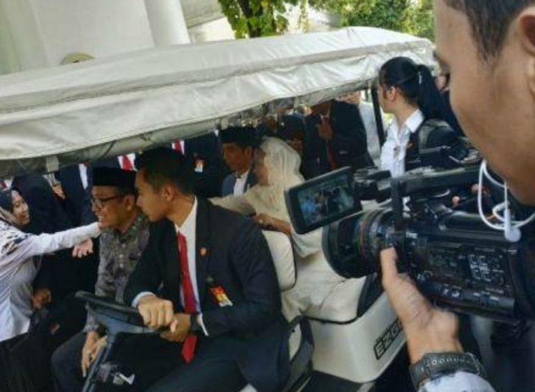 Gelar Open House, Jokowi Minta Maaf Tak Bisa Salami Warga Satu Persatu