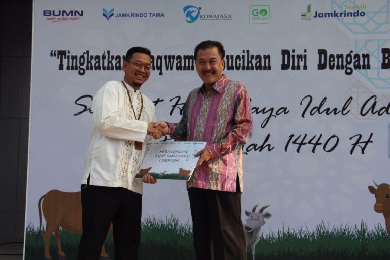 Jamkrindo Bagikan 1.200 Kupon Daging Kurban untuk Masyarakat