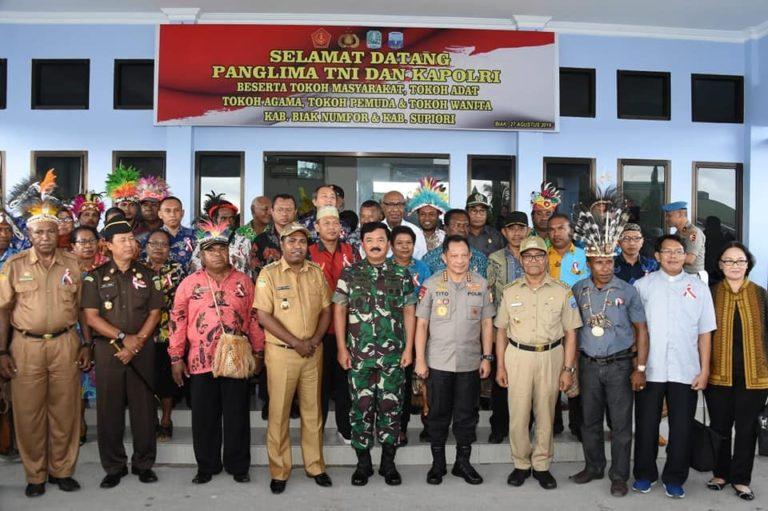 Panglima TNI dan Kapolri Tatap Muka dengan Tokoh-Tokoh Papua