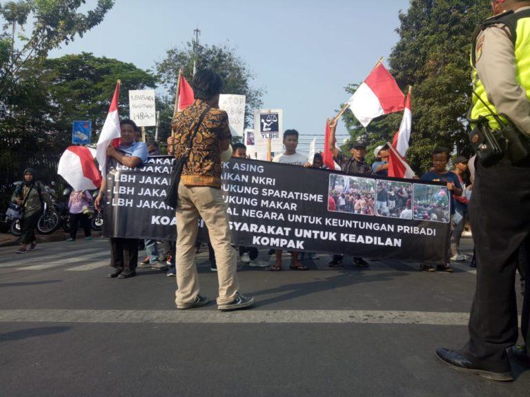 Gelar Aksi, Sejumlah Massa Tuding LBH Jakarta Perkeruh Situasi Papua