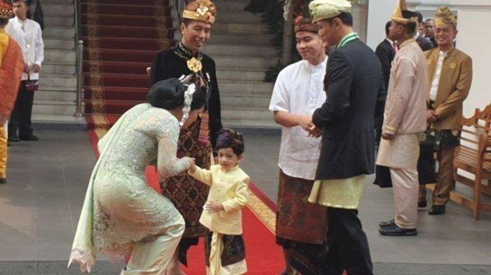 Ini Alasan Jokowi Pakai Baju Adat Bali di HUT RI ke-74
