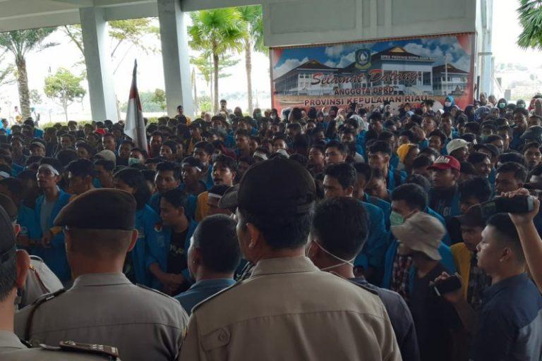 Kemenristekdikti Undang Seluruh Rektor Bahas Aksi Demonstrasi Mahasiswa