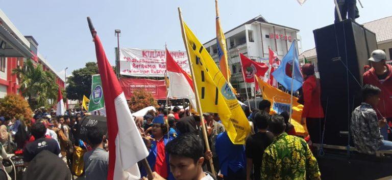 Hari Tani, PMII Banyuwangi Demo Tuntut Penutupan Tambang Emas Tumpang Pitu