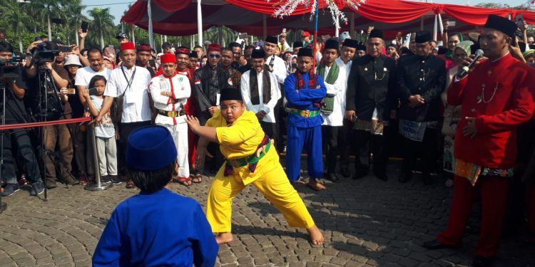 Hari Sabtu Orang Betawi Wajib Pakai Baju Jawara