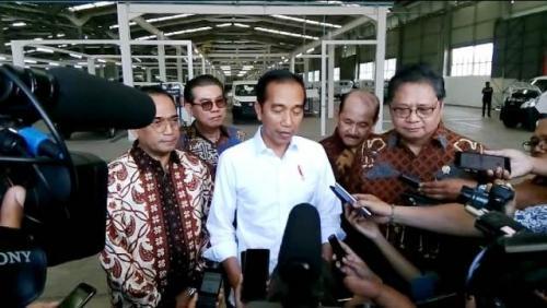 Resmikan Pabrik Mobil Esemka, Jokowi Nostalgia ke Masa Lalu