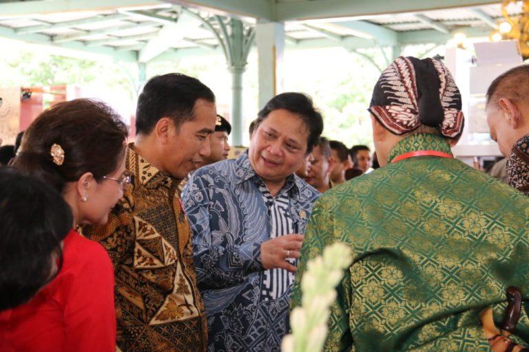 Hari Batik Nasional, Jokowi: Jadikan  Batik Sebagai Duta Budaya Indonesia