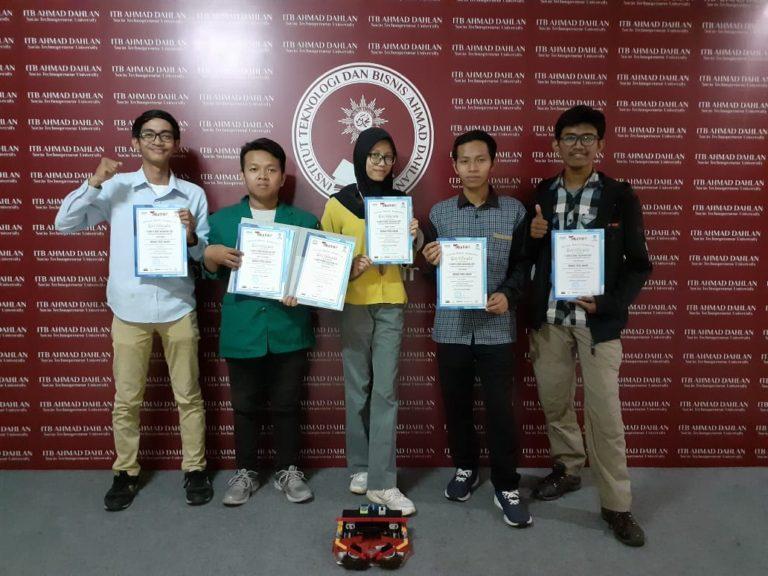 Tim Robotik ITB Ahmad Dahlan Sabet Juara Kontes Robot Nusantara 2019