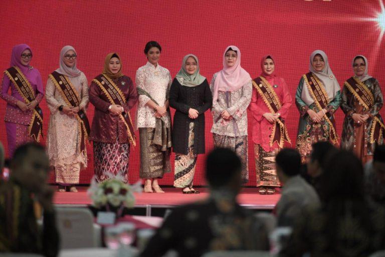 Istri Wapres Serahkan Apresiasi Bunda PAUD Tingkat Nasional tahun 2019