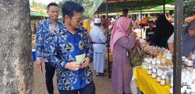 Menteri Syahrul Blusukan ke Pasar Tani Kementan