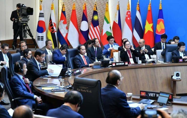 Jokowi Usulkan Program Prioritas di Hadapan Pemimpin ASEAN-Korsel