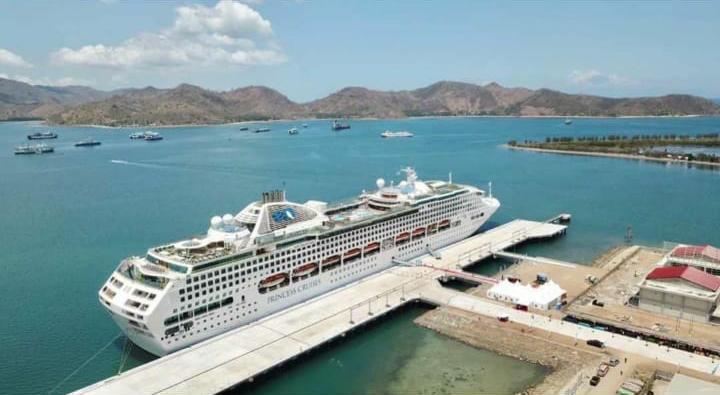 Pushidrosal Kawal Sandar Perdana Kapal Cruise Sun Princess di Gilimas Lombok