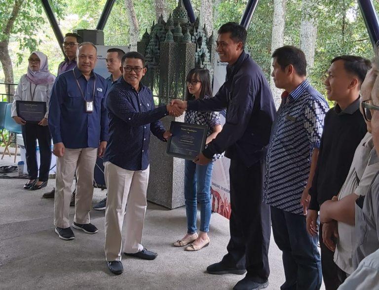 KPP Pratama Bandung Bojonagara Berikan Apresiasi dan Penghargaan Wajib Pajak Tahun 2019