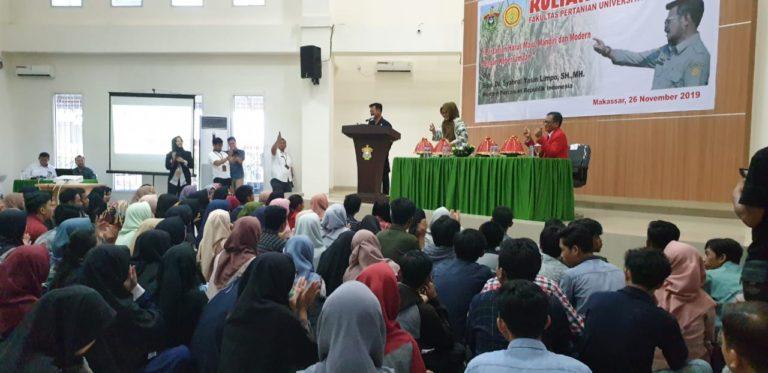 Menteri Syahrul Berikan Motivasi Mahasiswa Pertanian Unhas