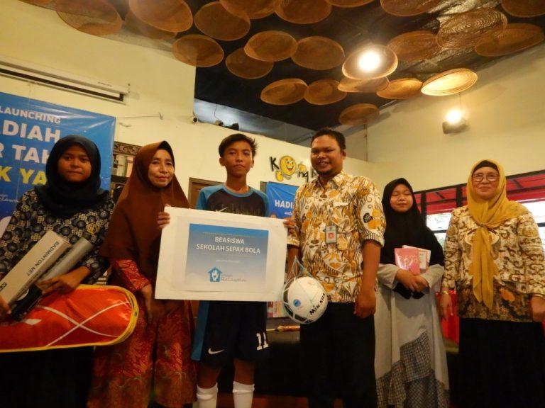 Sekolah Relawan Gelar Launching Hadiah Tahun Baru untuk Anak Yatim