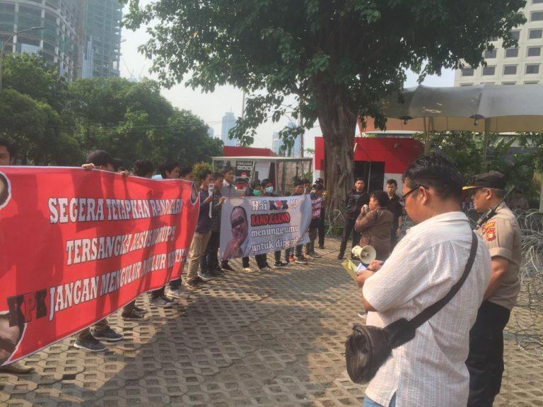 Datangi KPK, Massa AMPK Minta Korupsi Pengadaan Alkes RS Rujukan Banten Diusut Tuntas