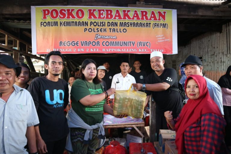 Gerak Cepat, Tim UQ Sukriansyah Bantu Korban Kebakaran di Dua Lokasi