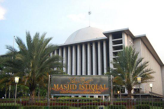Curigai Benda Mirip Bom, Pengunjung Masjid Istiqlal Geger