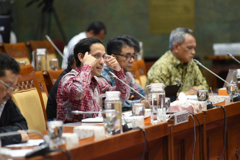 DPR Sebut Gebrakan Nadiem Hapus UN merupakan Terobosan Positif