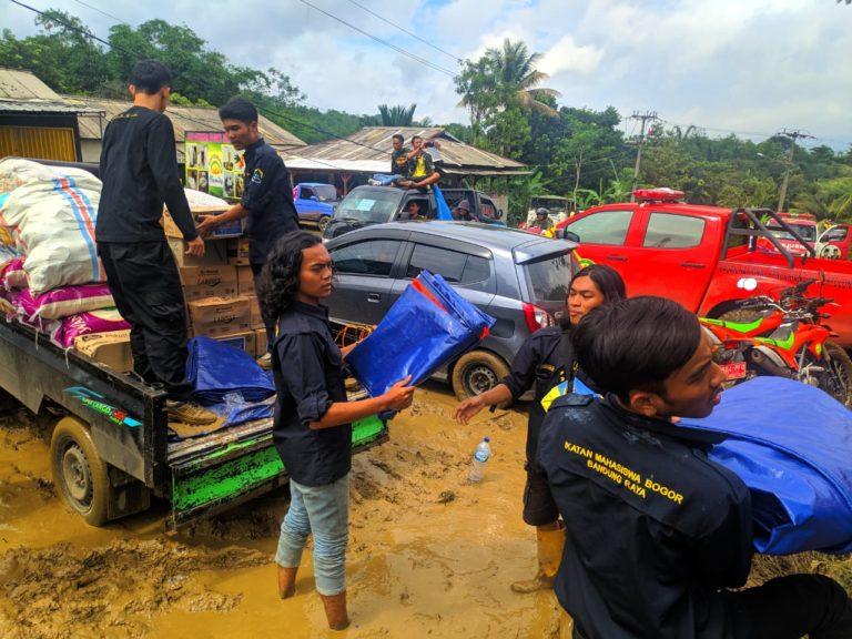 Peduli Bencana, IKMABO-BR Salurkan Bantuan untuk Korban Longsor Bogor