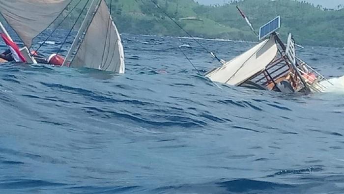 Kapal Wartawan Istana Kepresidenan Terbalik di Labuan Bajo, Semua Penumpang Selamat
