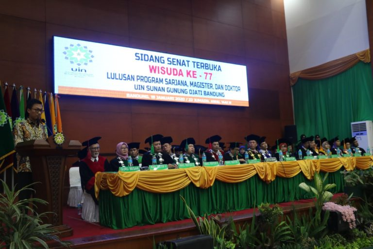 Staf Khusus Presiden Ajak Wisudawan UIN Bandung Jadi Generasi Unggul Ulul Albab