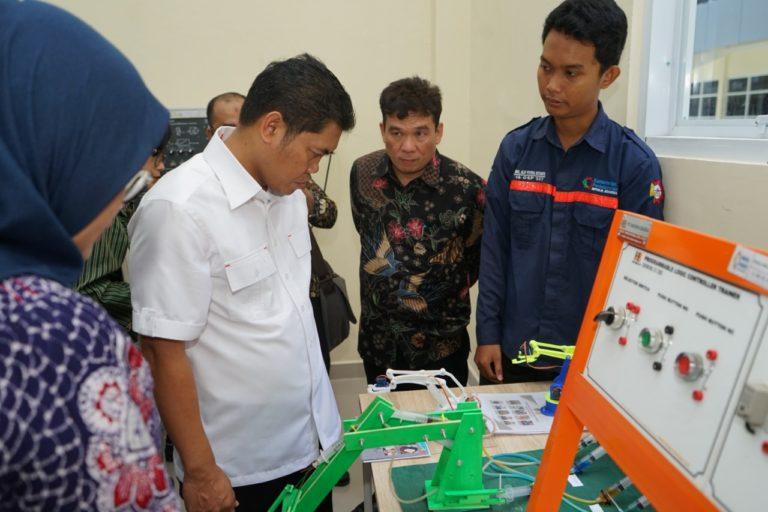 Kemenperin Cetak Operator Robotik dan IKM Cokelat dari Makassar