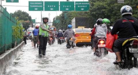 Jakarta Banjir, Hari Ini Ganjil Genap Ditiadakan   MONITOR