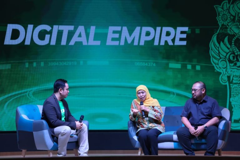 Khofifah Ingatkan Pentingnya Literasi Digital dan Media Bagi Masyarakat