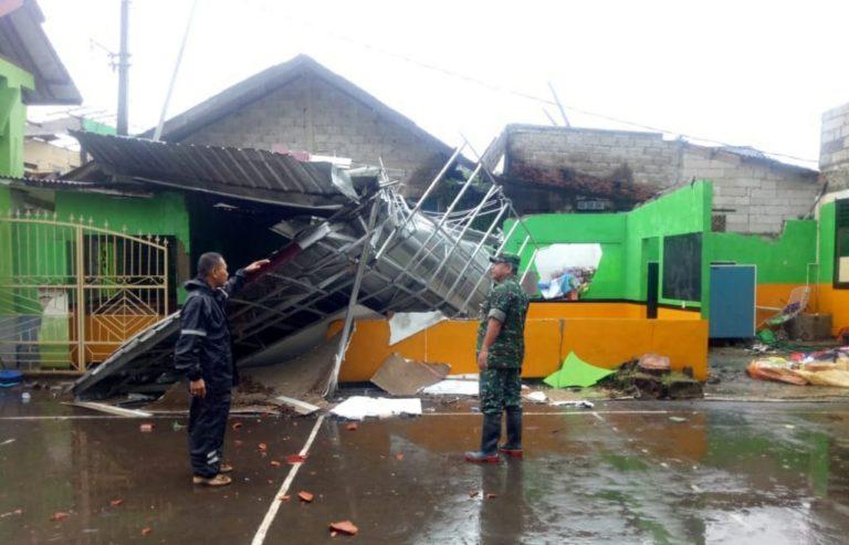 278 Rumah di Desa Selangit Rusak Akibat Diterjang Puting Beliung