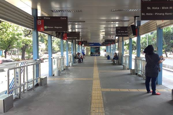 DPRD DKI Minta Halte Transjakarta Dilengkapi Toilet dan Mushola