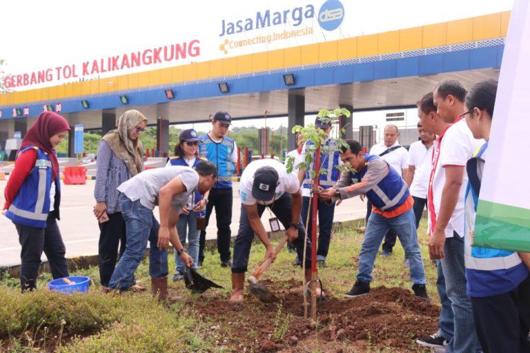 HUT ke-42, Jasa Marga Gelar Aksi Tanam 42.000 Pohon Serentak se-Indonesia