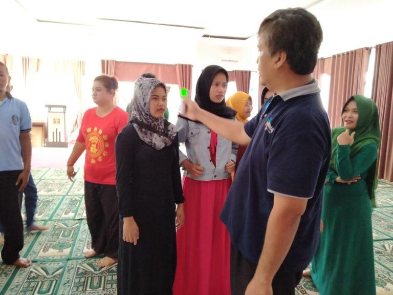 Gandeng Dinkes Lebak, Lapas Rangkasbitung Cek Suhu Tubuh WBP dan Sosialisasi Pencegahan Corona