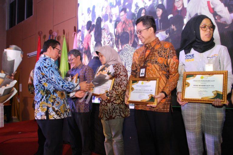 Jamkrindo Peroleh Penghargaan Bidang SDM dari UNJ