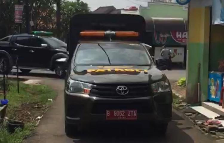 Satpol PP Depok Keliling Kota Imbau Masyarakat Waspada Corona