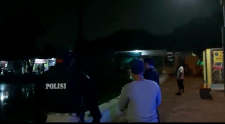 Antisipasi Penyebaran Corona, Polisi di Depok Bubarkan Kerumunan Warga