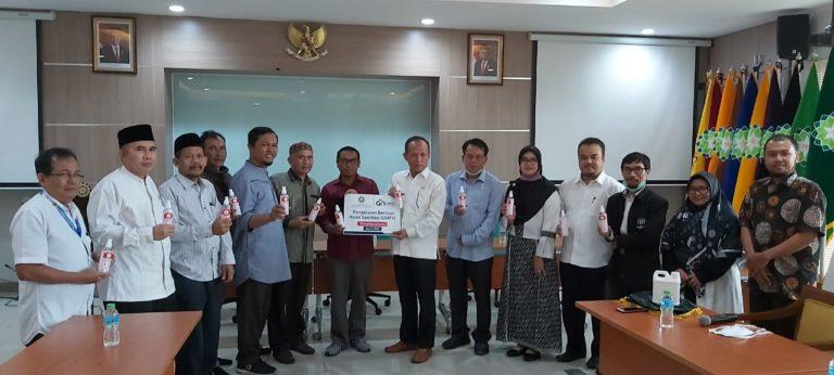 UIN Bandung-Lazis Darul Hikam Bagikan 100 Liter Hand Sanitizer ke Masjid