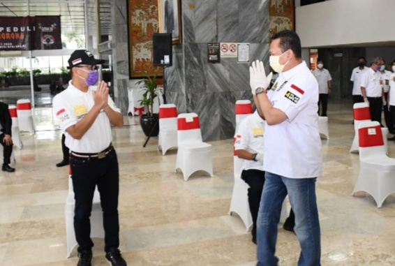 MPR Berikan Seribu Paket Bantuan Penunjang Kesehatan Lawan Corona