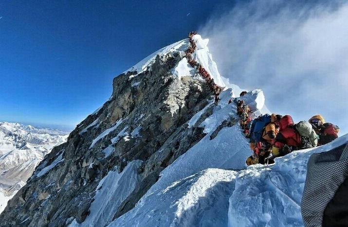 Semua Pendakian Gunung Everest Dibatalkan Akibat Wabah Corona