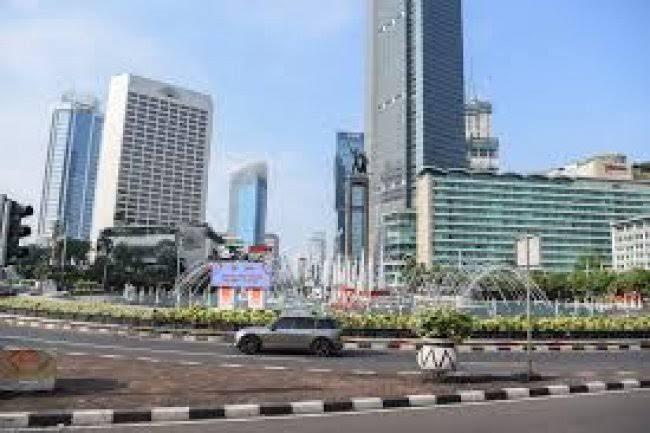 Kebijakan WFH dan Curah Hujan Buat Polusi Udara di Jakarta Berkurang