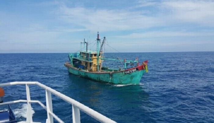 Modus Baru Kapal Asing Pencuri Ikan, Nyamar hingga Tak Pakai Bendera