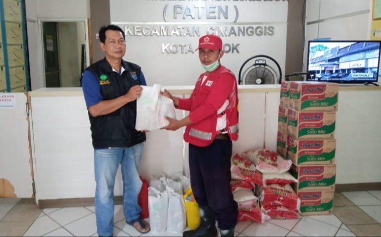 PMI Depok Distribusikan Bantuan Sembako untuk Warga Terdampak Covid-19