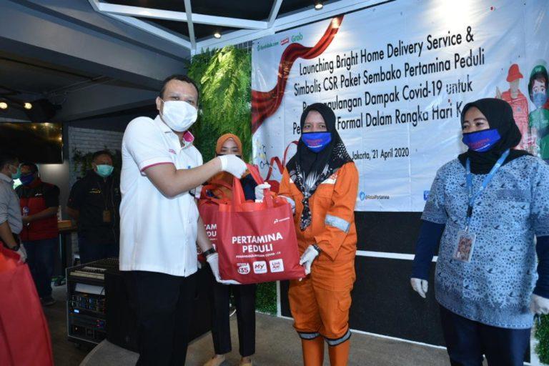 Peringati Hari Kartini, Pertamina Distribusikan 6.643 Paket Bantuan bagi Pekerja Informal Perempuan