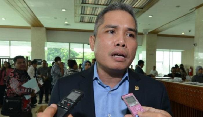 Pinjol Meresahkan, DPR: Pengawasan Otoritas Keuangan Lemah