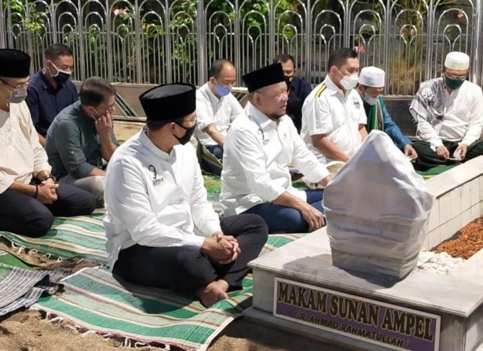 Masuk Jatim, Ketua DPD Ajak Kapolda Baru Ziarah ke Sunan Ampel
