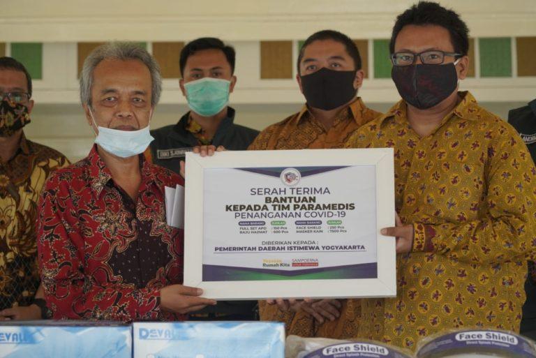 Sampoerna dan Yayasan Rumah Kita Salurkan Bantuan APD Medis ke Pemprov DIY